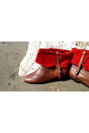 brown Lauro Righi boots - red