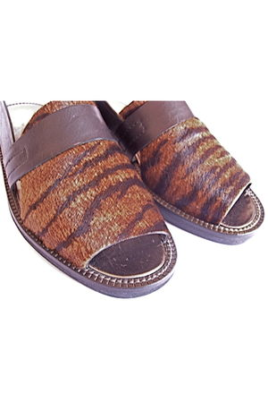 brown Lauro Righi clogs - black