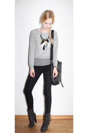 grey H&M vest - buckle platform Primark boots - black skinny H&M jeans