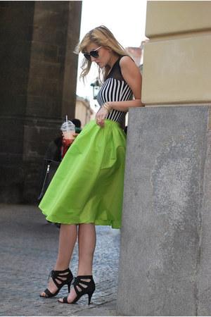 Sheinside skirt - Choies top - Gate heels