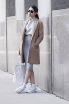 camel Theory coat - tote Lacoste bag - air max nike sneakers
