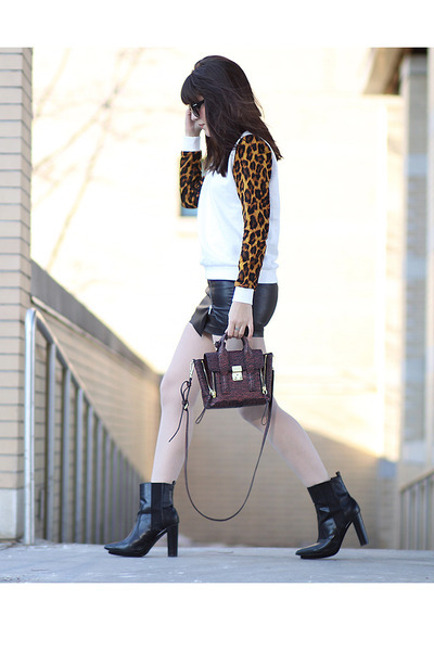 leopard Forever 21 sweatshirt - platform Zara boots