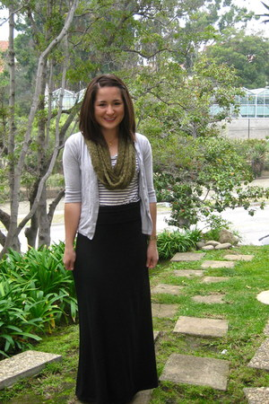 black maxi Lily White skirt - white striped Forever 21 shirt