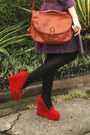 Purple-dress-brown-bag-red-wedges