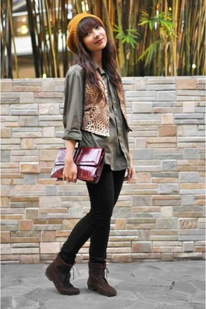 green bfs shirt - vest - dark brown thrifted boots - vintage purse - mustard f21