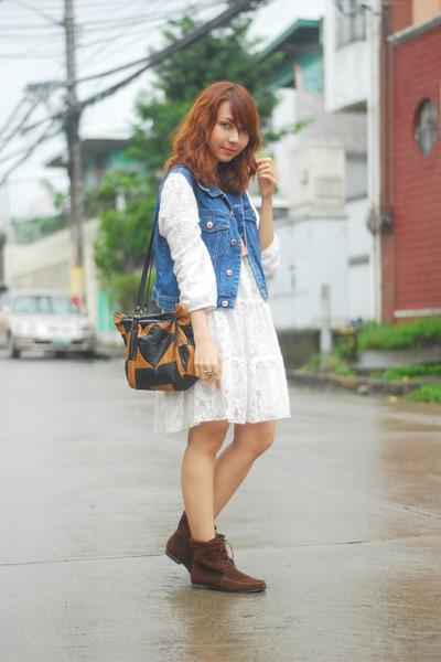 blue vest - dark brown boots - white dress - brown bag