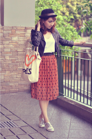 burnt orange Trunk Show skirt - silver shoes - black jacket