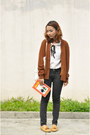Black-jeans-eggshell-vintage-top-brown-vintage-cardigan-camel-loafers