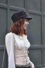 Corset-vedette-intimate-asianvogue-boots-giordano-jeans-topshop-hat
