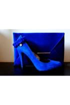 blue envelope clutch BCBGeneration purse - blue suede Charles and David heels