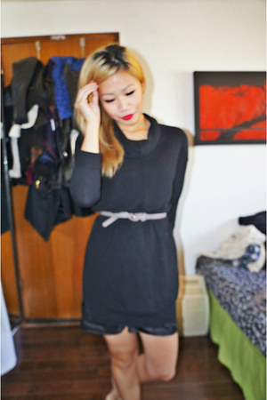 black wilfred Aritzia sweater - heather gray wilfred Aritzia belt