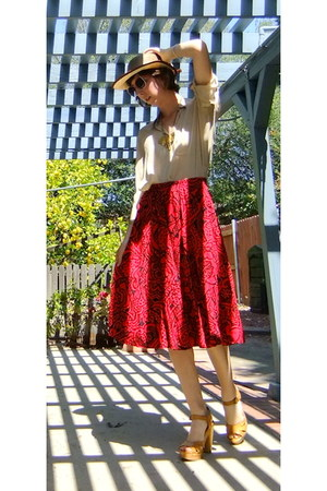 cream Nativo hat - ruby red Thrift Store skirt - tan Thrift Store blouse - bronz