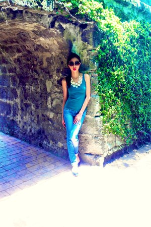 sm accessories necklace - Stradivarius jeans - H&M top - charles&keith flats