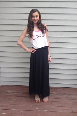 black maxi Love Culture skirt - white brandy melville top