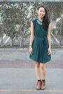 Burnt-orange-ross-boots-green-unknown-dress-green-gems-forever-21-necklace
