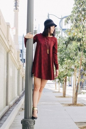 black hat - brick red swing dress dress - black unknown heels