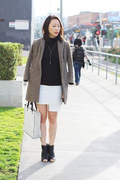 dark brown tweed Ralph Lauren coat - black peep toe shoes - white tote H&M bag