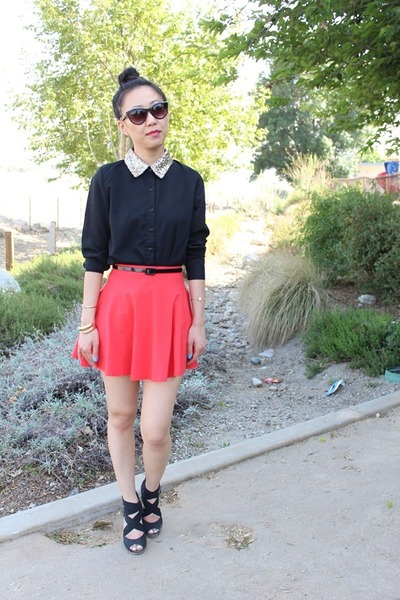 coral circle skirt f21 skirt - black glitter collar top - black strappy heels