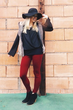 silver faux fur deb vest - brick red wine deb leggings - black keyhole deb top