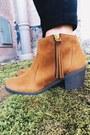 Bronze-tassel-ami-clubwear-boots-black-deb-bra