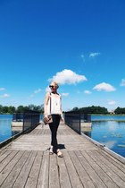 O the dock...