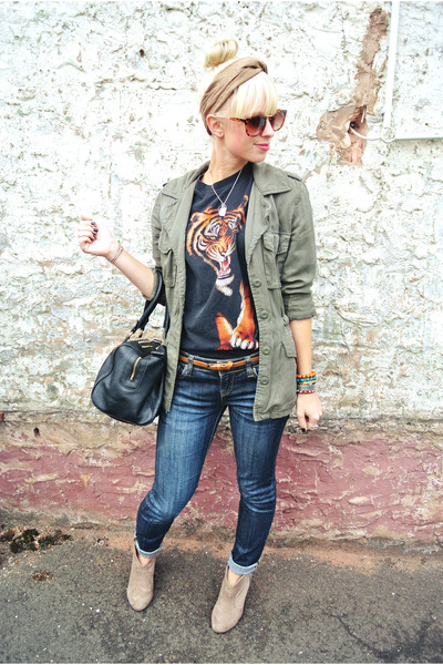 black graphic tiger vintage t-shirt - tan Charlotte Russe boots