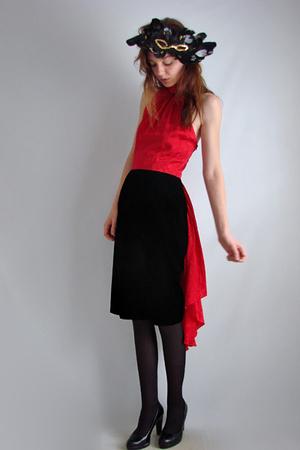 red vintage The Family Vintage dress