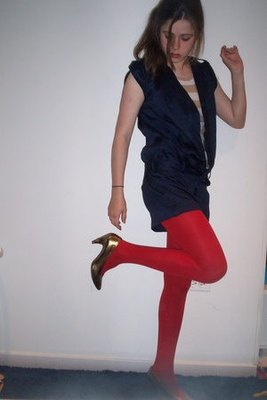 forever 21 - Old Navy t-shirt - tights - vintage shoes