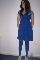 blue gap shirt - white h&m shoes - blue dress - blue gifted tights