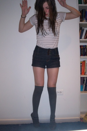 Urban Outfitters t-shirt - forever 21 shorts - Topshop socks - Urban Outfitters