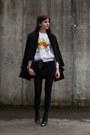 Black-toe-cap-h-m-boots-black-spliced-coat-white-ka-pow-sweater