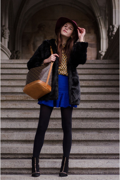 blue skirt - black faux fur coat - mustard shirt