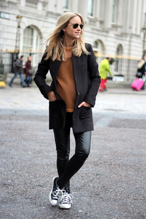 black H&M coat - black H&M Trend leggings - black Ray Ban sunglasses