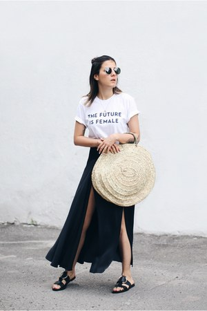 tan straw Mur Lifestyle bag - black Zara skirt - white Otherwild t-shirt