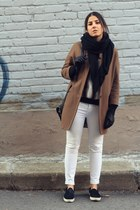 black fur panel Zara sweatshirt - brown Topshop coat - white Stradivarius jeans