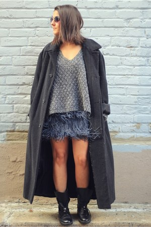 navy feather Zara skirt - black Zara boots - black oversized vintage coat
