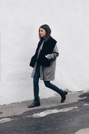black fur vintage scarf - black Zara boots - heather gray River Island blazer