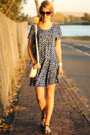 navy Monki dress