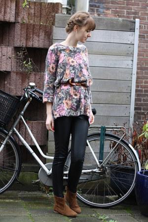 bubble gum floral H&M sweater