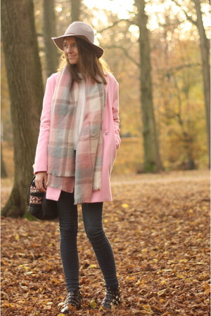 bubble gum pink coat pink Boohoo coat - black studs studded Zara shoes