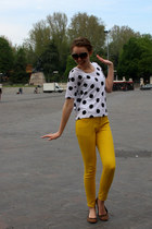 black dotted Forever21 top - yellow Forever21 jeans