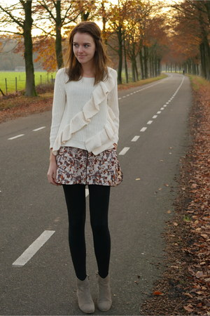 cream H&M sweater - tan dicker boots Isabel Marant boots