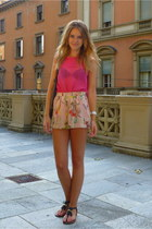 Primark top - H&M shorts - Primark sandals