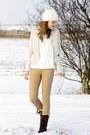 Secondhand-blazer-hub-boots-zara-coat-vila-sweater-primark-pants