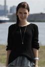 Black-knitted-h-m-sweater-black-studs-zara-boots-white-h-m-skirt