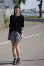 Black-knitted-h-m-sweater-black-studs-zara-boots-white-h-m-skirt