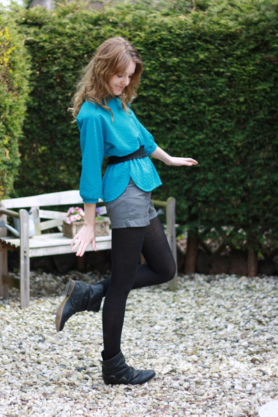 turquoise blue vintage blouse - black Newlook boots - heather gray H&M shorts