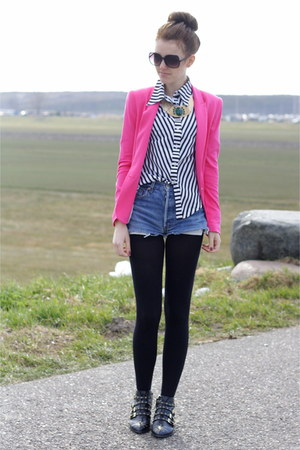 pink Zara blazer - studded Zara boots - levis 501 vintage shorts