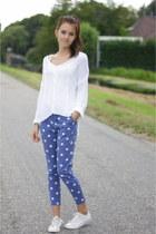 blue Zara pants - white H&M sweater - white Converse Allstars sneakers