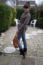 brown Only vest - blue Only jeans - black charol shoes - brown gift bag
